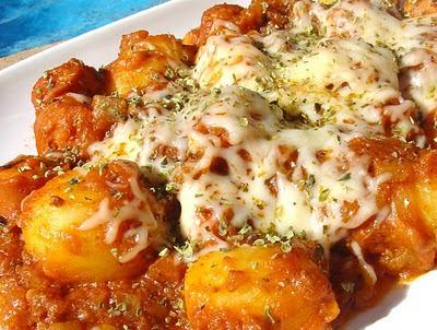 patatas de bote a la boloñesa
