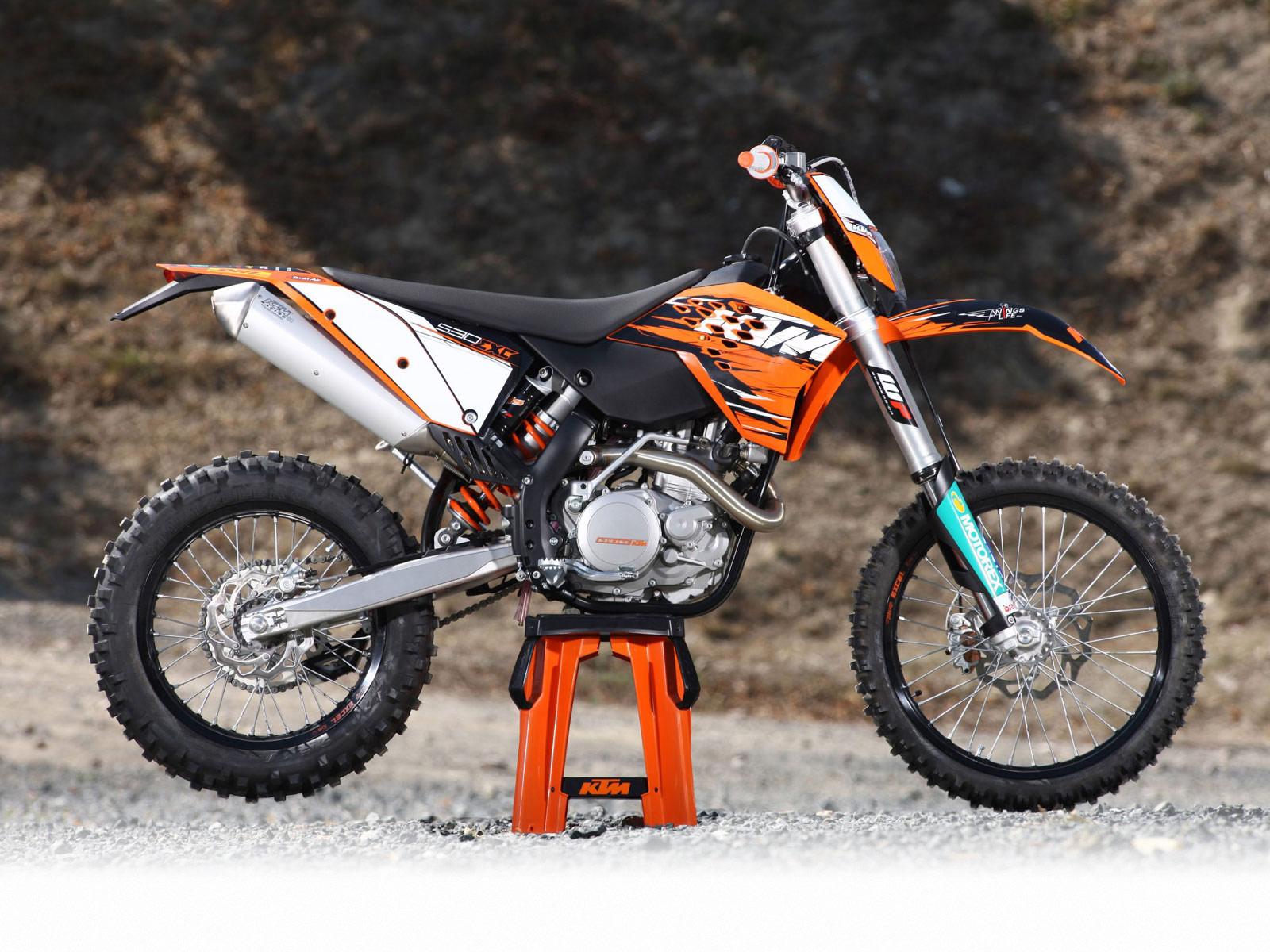 http://2.bp.blogspot.com/_St8PvhYLC4c/S-Kowu2vUFI/AAAAAAAACWM/uclA_BcKS1s/s1600/KTM_530_EXC_Champions_Edition_2010_3.jpg