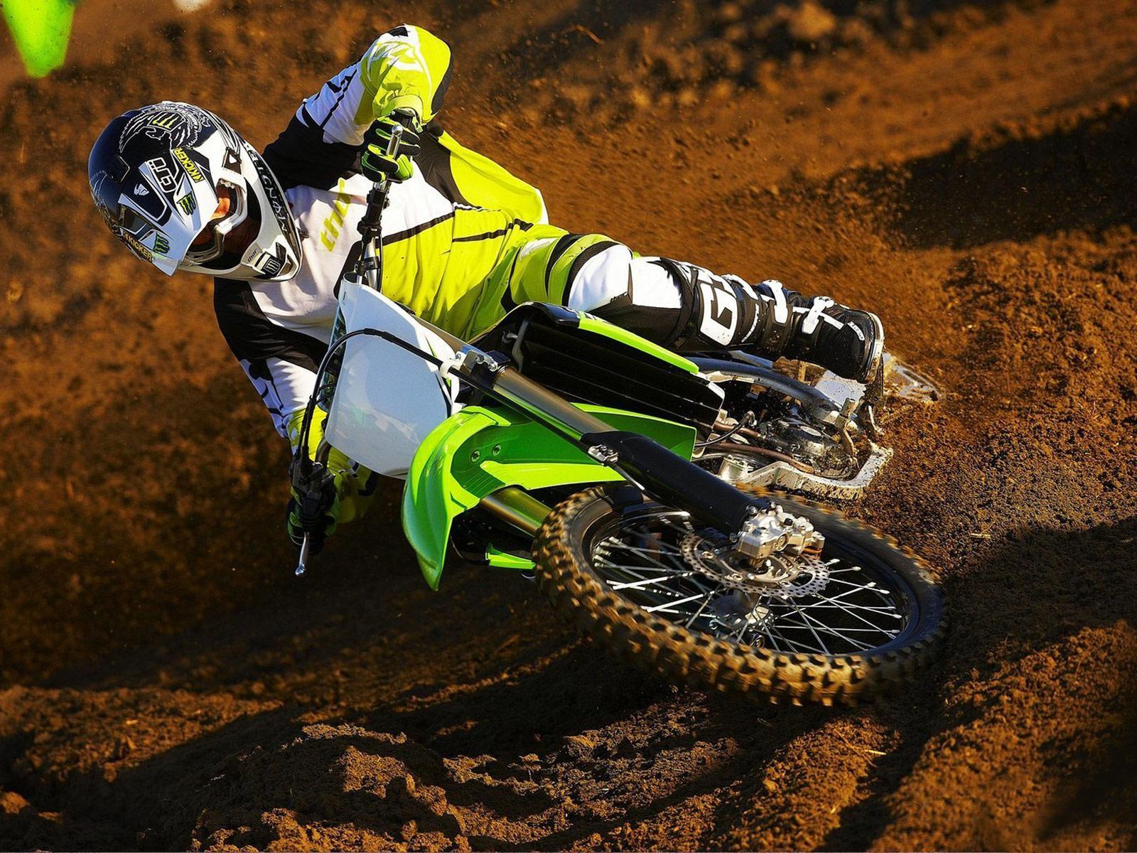 http://2.bp.blogspot.com/_St8PvhYLC4c/S8yNs2_4-YI/AAAAAAAACG8/-pCP92G6olw/s1600/Kawasaki_KX450F-Monster-Energy_2010_3.jpg