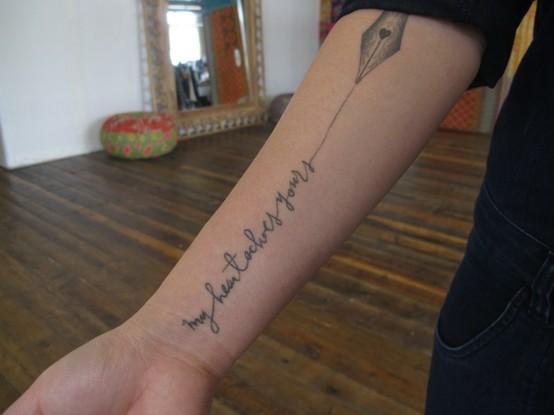 Tattoo ideen bedeutung 39 schreiben 39 haut vollj hrig for Tattoo with pen