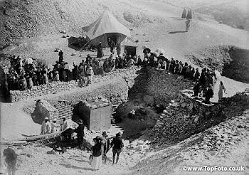 Para ver fotos de la tumba de Tutankamón, pulsa sobre la foto...