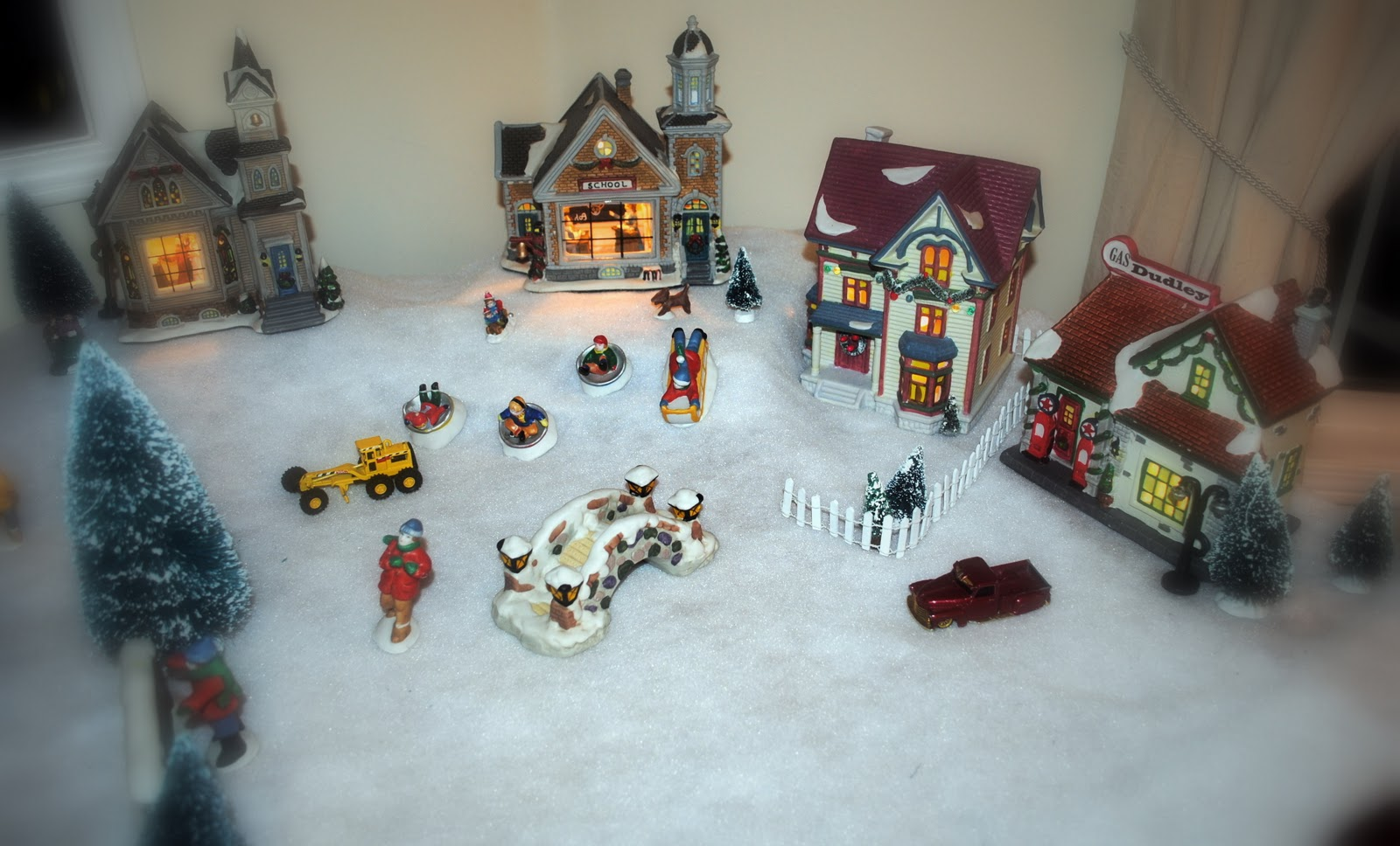 Living Room Village ~Canadiana Christmas Stop Two title=
