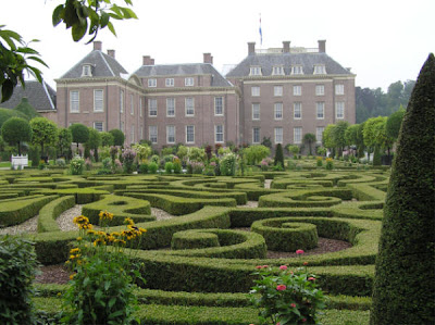 This Time We Are Going To Make A Journey Through Time, To One Of The Most  Famous Of Dutch Gardens; The Gardens Of Palace Het Loo (pronounced Het Low)  Near ...