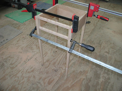 Table in clamps