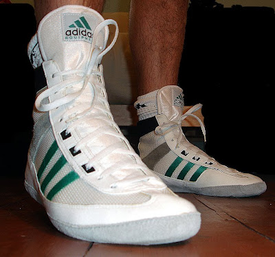 Adidas Equipment wrestling shoes Posted by Panda at 1010 PM 0 comments