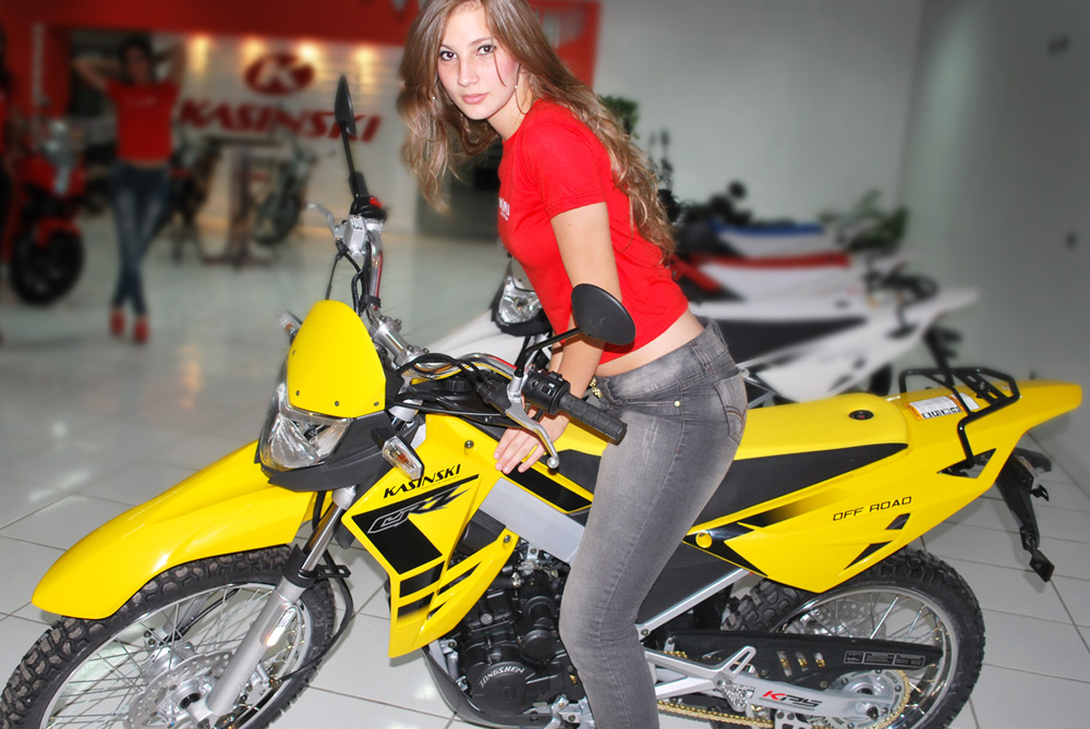 Mulheres em  moto, gostosas na moto, mulher em off-road, gostosa em off-road, mulher em motocross, babes on bike, Women on bike, babes on off-road, women in off-road., babes on motocross, women in motocross, sexy on bike, sexy on motorcycle.