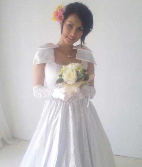 Foto Miyabi aka maria ozawa dengan baju pengantin
