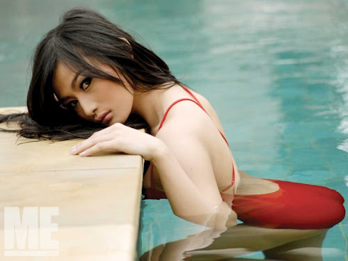 Wallpaper Seksi Debby ayu