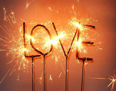 http://2.bp.blogspot.com/_T6_vigiagzw/TN4sz5ufe5I/AAAAAAAAACU/RsRyW4uRF-M/s1600/wondercandle-love-im%255B1%255D.jpg