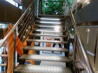 merdiven çeşitleri - krom merdiven