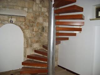 merdiven çeşitleri - orta dikmeli merdiven