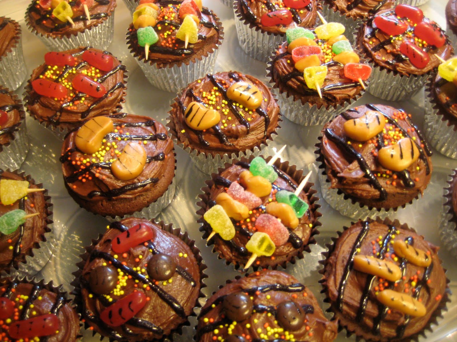 ID Mommy: How To Make BBQ Grill Cupcakes