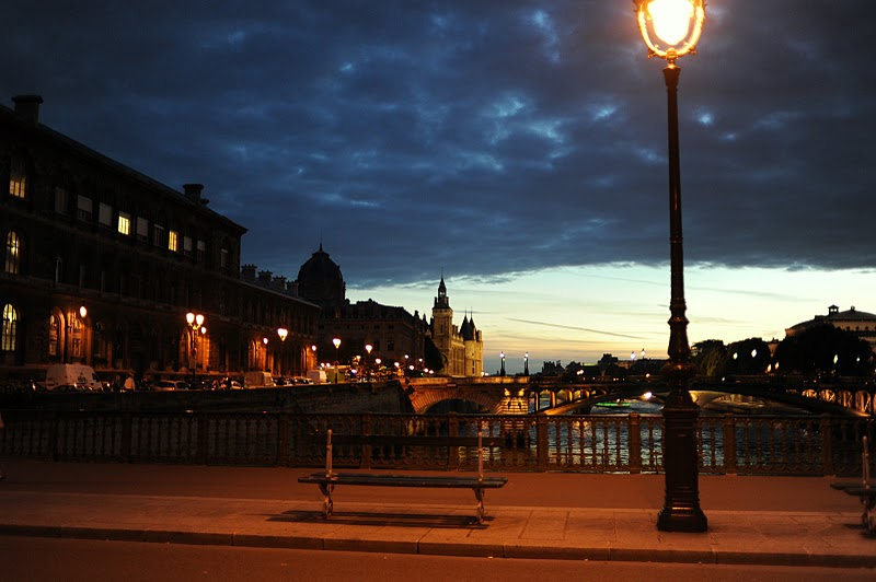 L Heure Bleue Paris