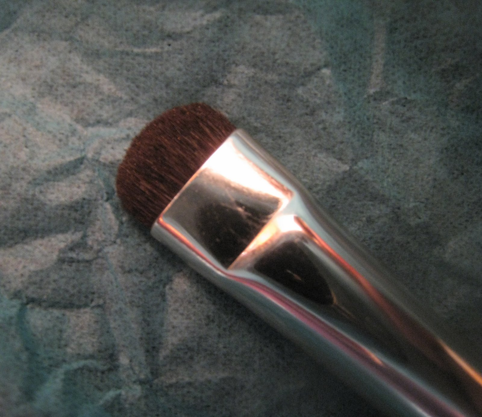 [nars+smudge+brush+no.+15+closeup]