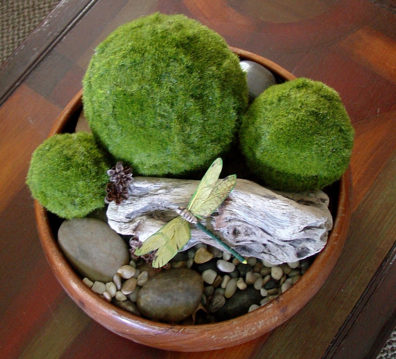 Make The Best Of Things Mossy Decor Balls