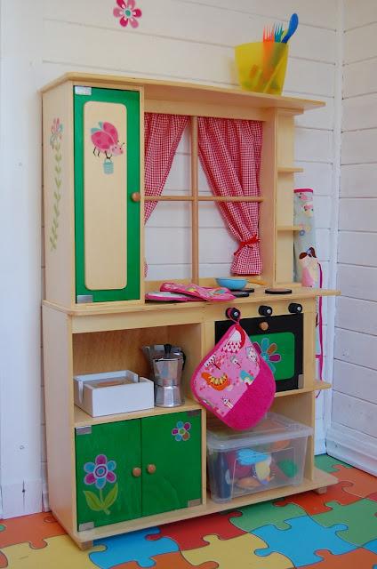 La casita de cuento de hadas de mis hijas - Cocina madera imaginarium ...