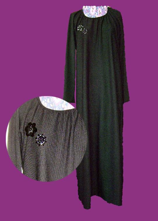Black Jersey & Brooch