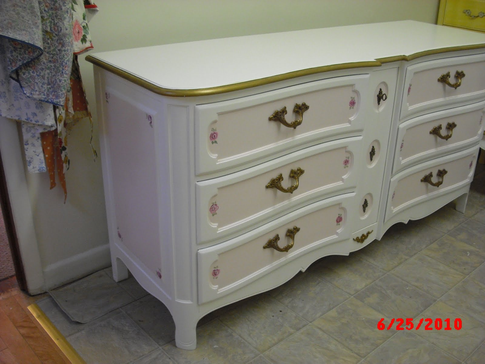 Hand painted vintage french provincial bedroom. Handpainted Furniture Blog  Shabby Chic Vintage Painted Furniture