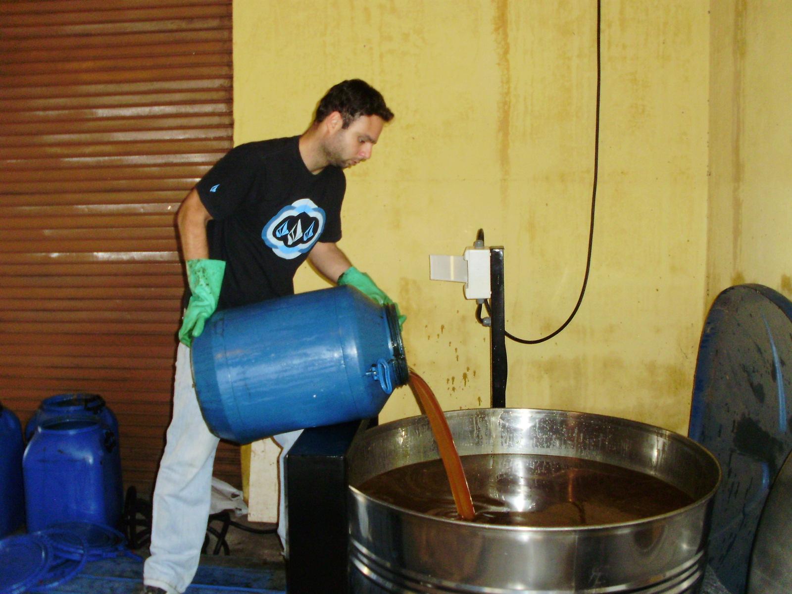 SEBRAE/MG realizou implantação de mini usina de purificação de  #183576 1600 1200