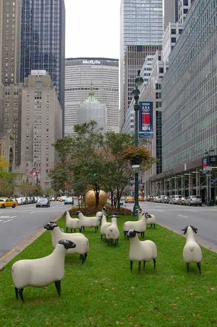 New York - Manhattan - Park Avenue -Francois-Xavier Lalanne - Mouton Transhumant