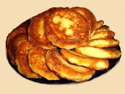 Recipes From Russia: The Simple Syrniki or Curd Pancakes (Russian- сырник [и])