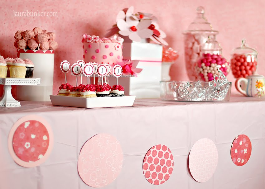 Decoracion Romantica Para Cumplea?os ~ El color que lleno el lugar de delicadeza y ternura, fue el rosa en