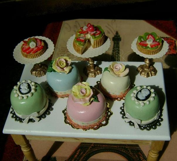 Mini Victorian Cakes