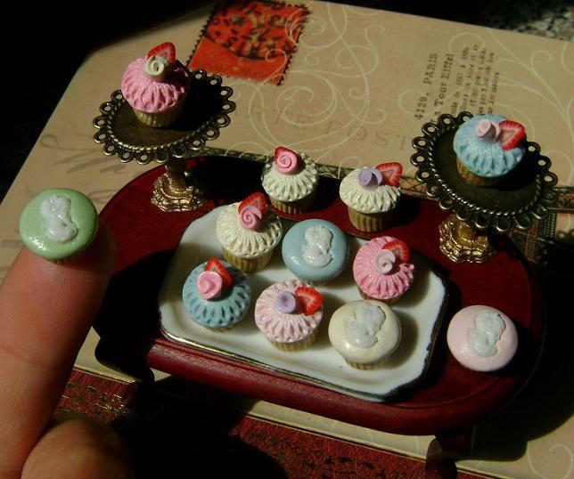 Mini Victorian Cupcakes