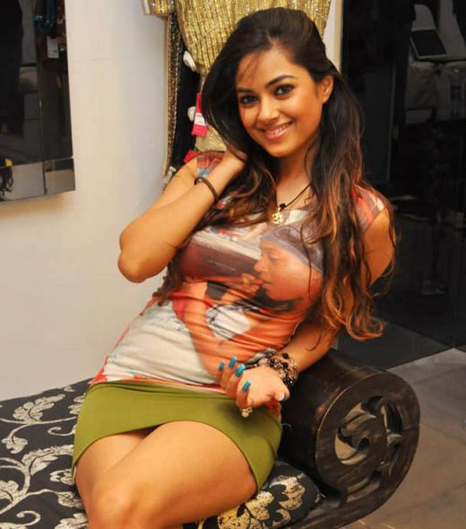 Meera chopra hot boobs