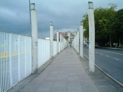 paseo frente a la estación Marítima de Santander