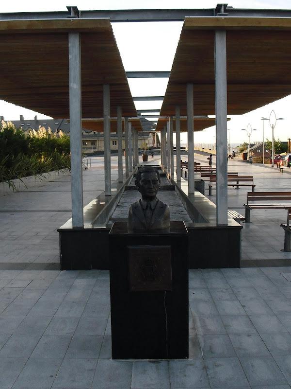 Plaza Adolfo Suárez en Liencres