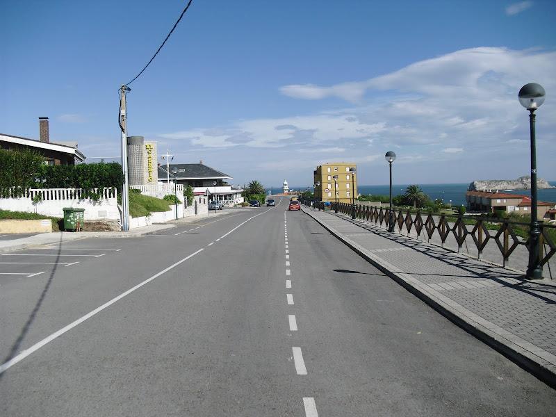 Carretera al Faro de Suances