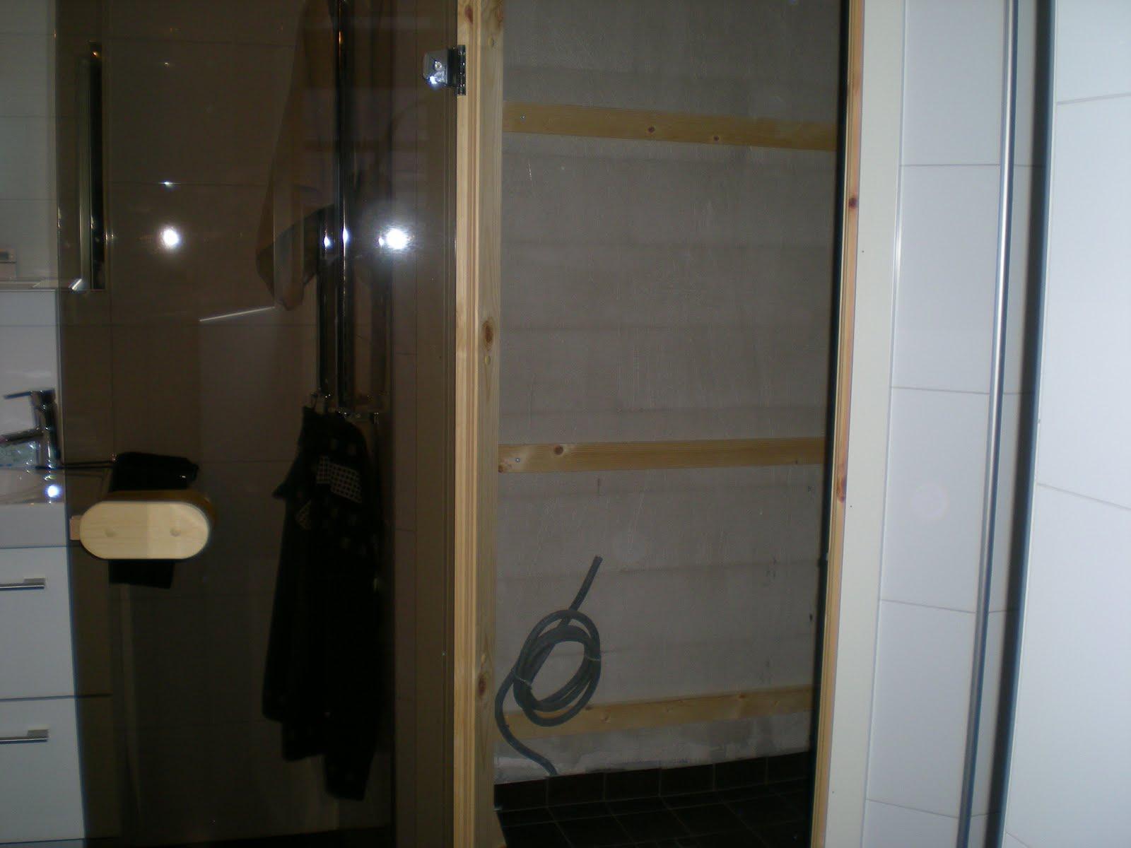 Stenhusbyggarna.blogspot.com: BYGGER BASTU