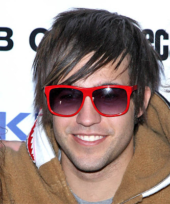 pete wentz hairstyles. Pete Wentz Haircuts 2010