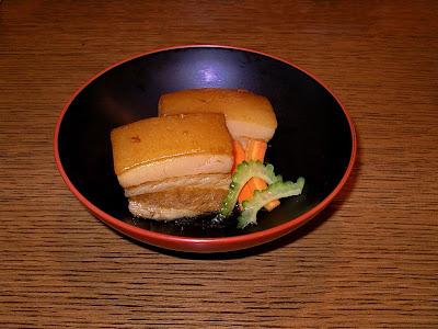 http://2.bp.blogspot.com/_TODXHod6fPA/SJTAnvgRx3I/AAAAAAAAAHw/ZOB0rz4VoL4/s320/Okinawan_stewed_pork_belly.jpg