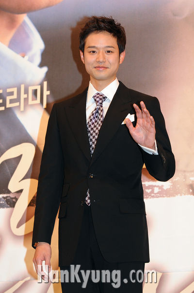 chung jung myung. Actor Chun Jungmyung picked