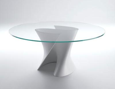 Mesas de comedor de vidrio con bases muy originales for Mesas de vidrio de diseno