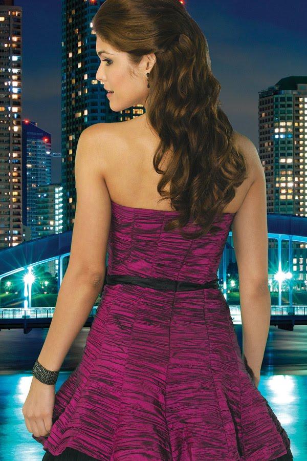 Vestidos de noche en color guinda
