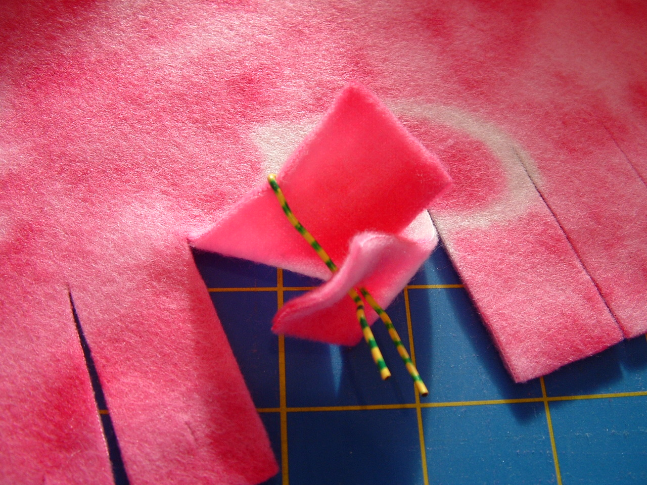 Pieces By Polly Single Layer No Sew Braided Fleece Blankets Tutorial Knots Fishing Knot Tying Diagrams Crafty Ideas Pinterest