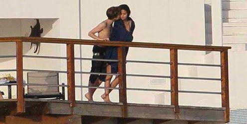 selena gomez e justin bieber namorando. justin bieber e selena gomez namorando. Justin Bieber e Selena