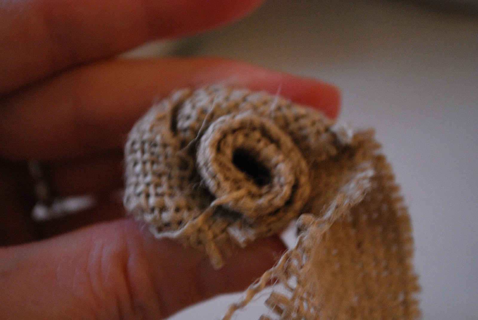 How to make burlap flowers or rosettes craftaholics for How to make hessian flowers