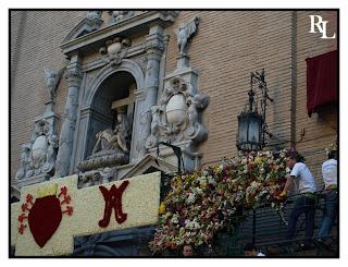 La Ofrenda Floral. Foto del blog Granada Cofradiera.