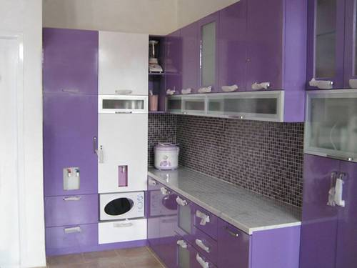 Minimalist kitchen design with purple shades all about for Dapur kitchen set