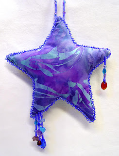beaded star by Kathy Hinkle, photo by Robin Atkins
