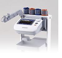 オムロンの脈波伝播速度計測器