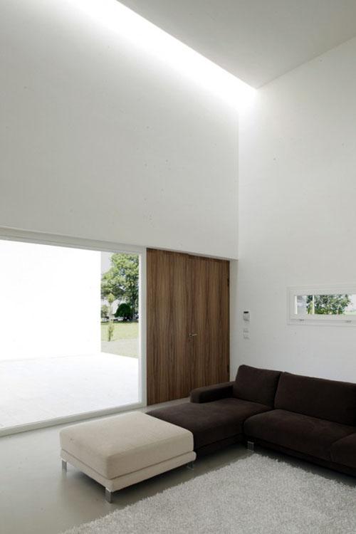 Minimalist Italian Cube House By Andrea Olivia