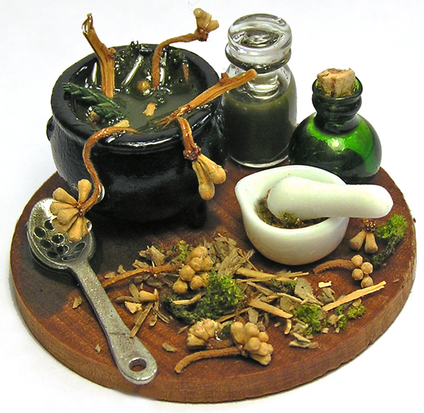 Kiva's Miniatures: Squash display and a potion making board