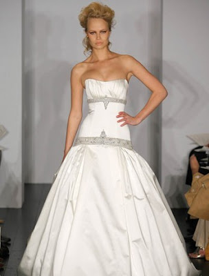 Kenneth Pool, trendy wedding dress