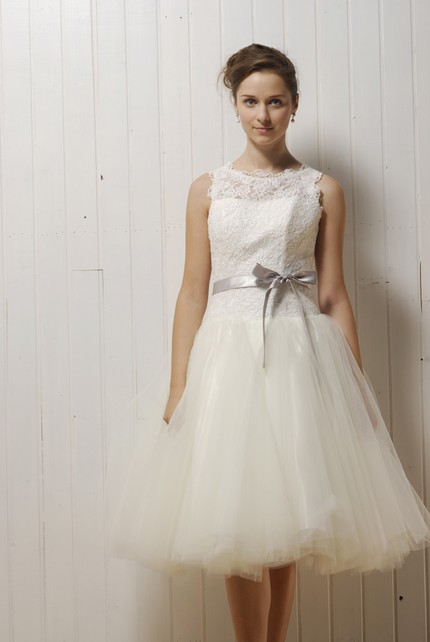 Wedding Dresses Lace Full Skirt : S style lace and tulle knee length wedding dress with