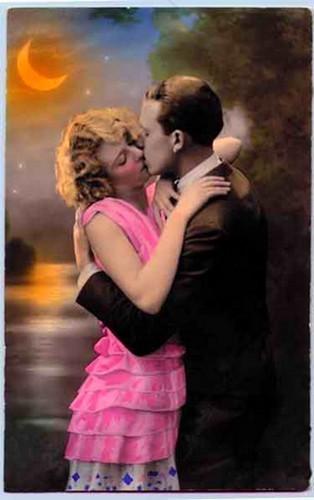 [moonlight_vintage_romance.jpg]